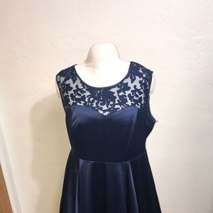 TORRID Size:20 Satin Dress